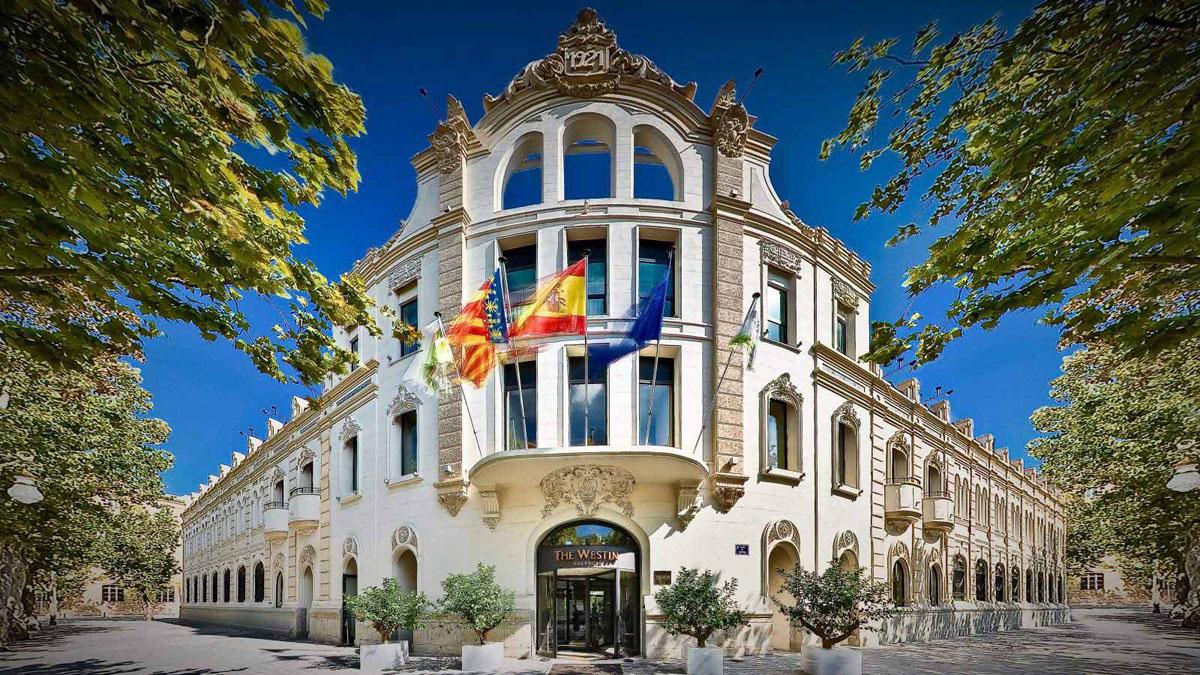 Bankia vende el hotel Westin de Valencia al grupo Sea Side Hotels
