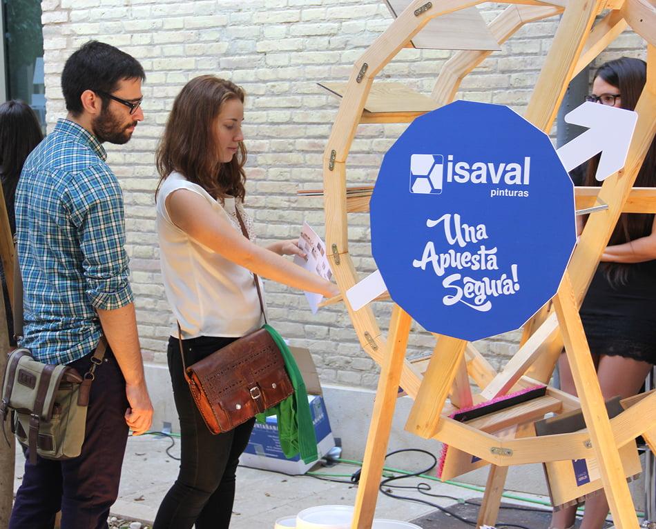 Pinturas Isaval presenta su oferta de producto en una ruleta con la ayuda de Samaruc Estudio