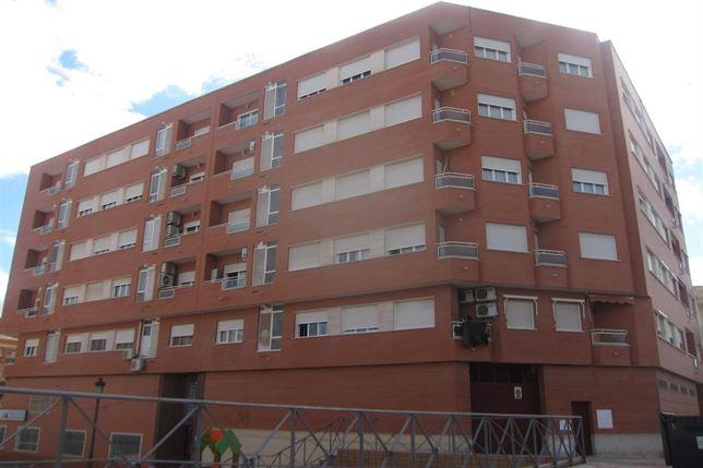 Sube el precio de la vivienda usada en Valencia, pero cae en el conjunto de la Comunidad Valenciana