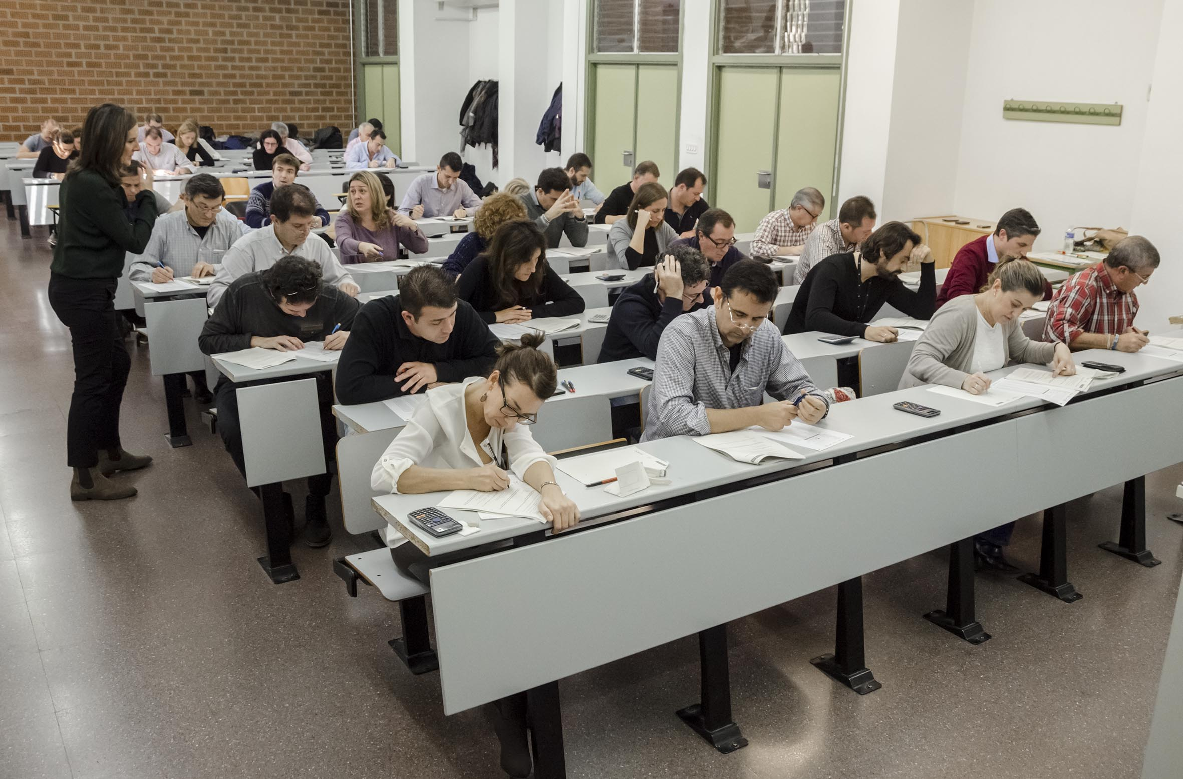 375 empleados de caixabank en la c valenciana ya tienen for Oficinas caixabank valencia