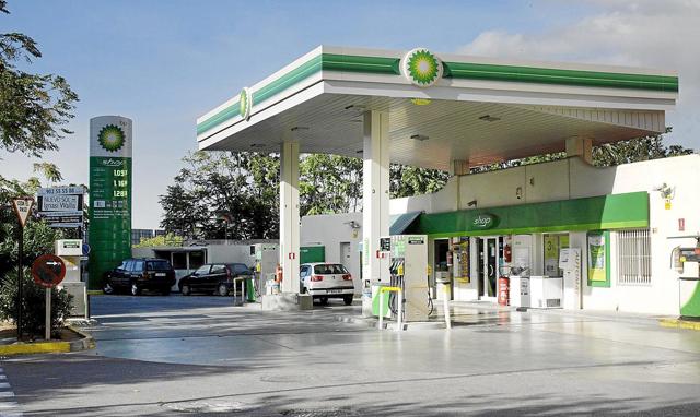 BP OIl advierte que repostar en gasolineras low cost supone bajar el rendimiento del motor