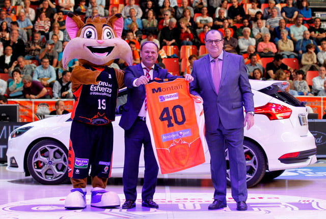 Valencia Basquet rinde homenaje a Ford Montalt, el patrocinador más longevo de la Liga Endesa