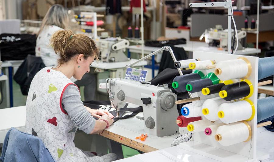 A Puntadas, modelo  de inclusión social y  empresa sostenible