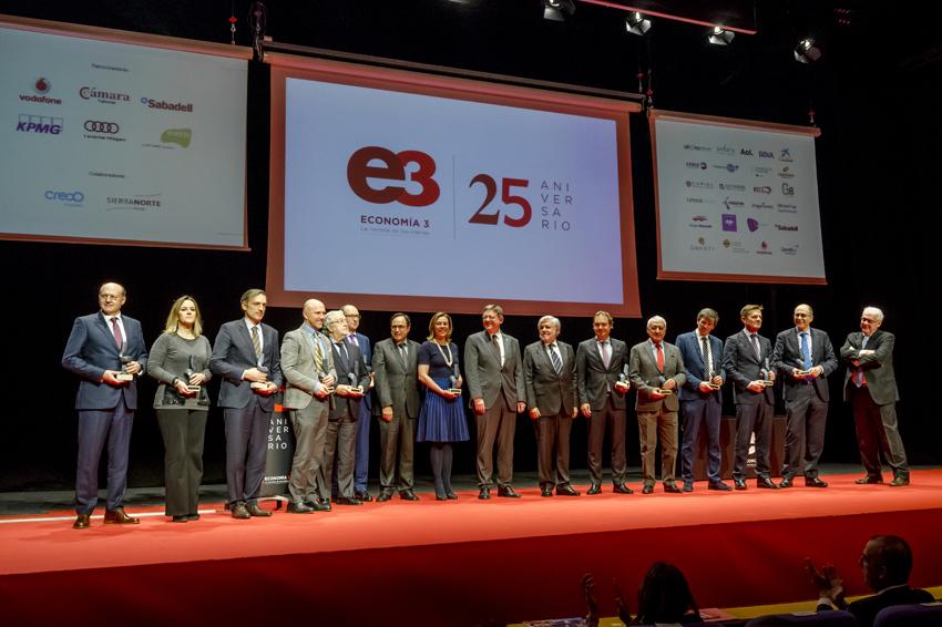 Centenares de amigos arropan a Economía 3 en la celebración de su 25 Aniversario