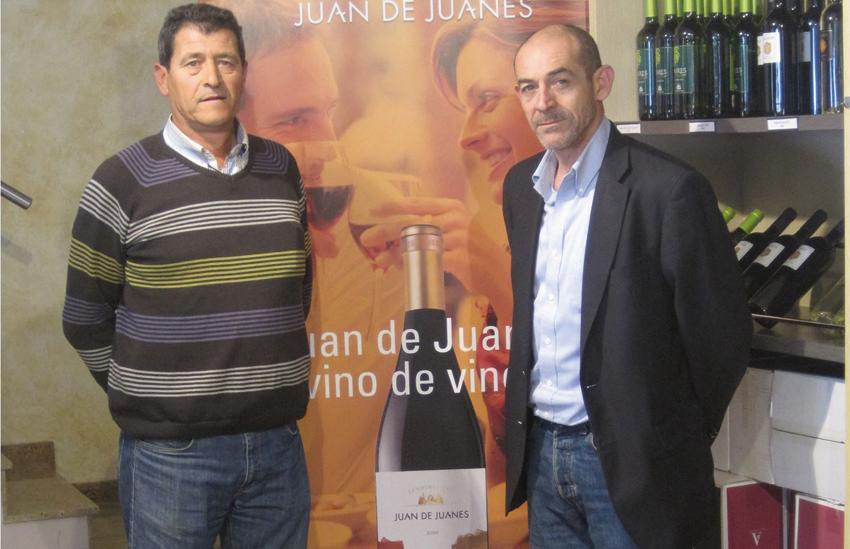 José Francisco Fita (izda.), presidente de la cooperativa y Sergio Belda, director comercial