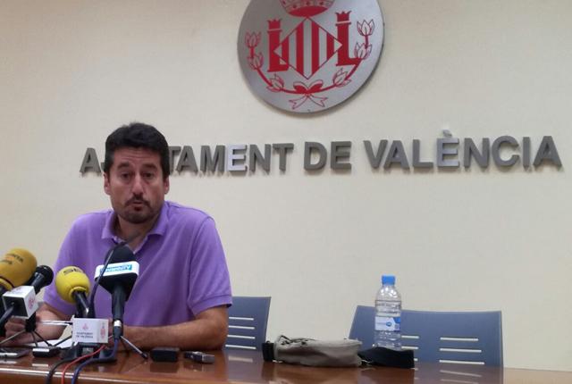 El concejal de Valencia Jordi Peris dimite tras destituir al director de Las Naves