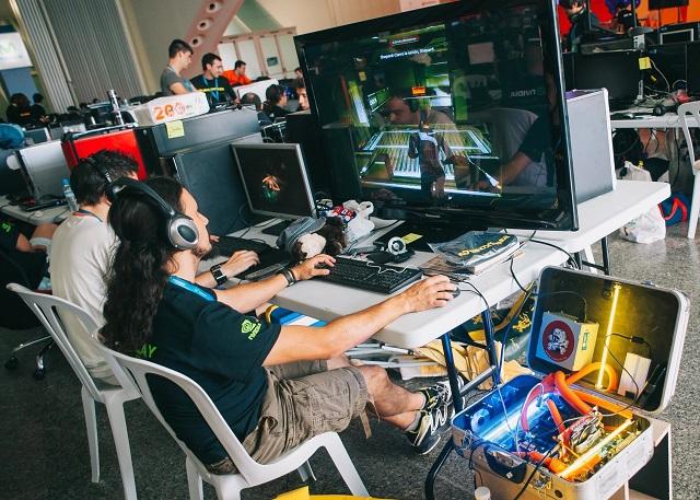 Nace Playeek, la primera escuela online de eSports, seleccionada por el programa Garaje de Lanzadera