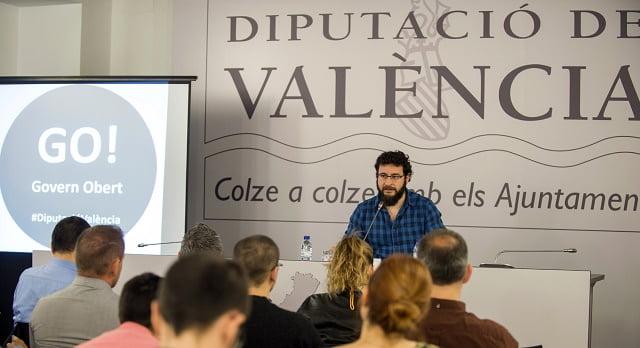 Nueva edición de Digitalitza't, el programa de Las Naves contra la exclusión tecnológica