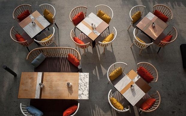 Andreu World marida mobiliario y gastronomía en Comer bien sentado