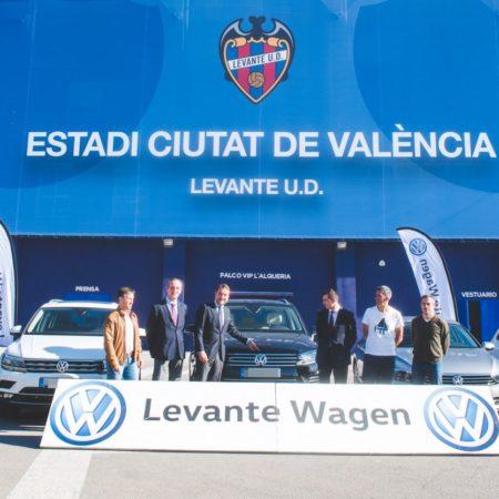 Imagen destacada Entrega de nueva flota Volkswagen al Levante UD para la temporada 2017/2018