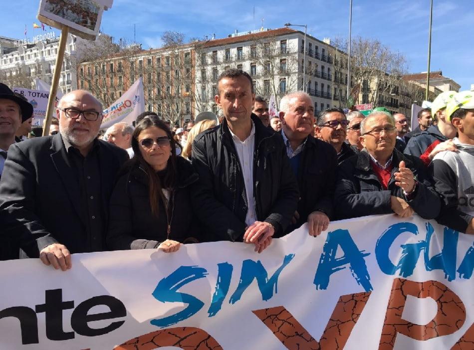 La Unió de Llauradors protesta en Madrid por la falta de agua en Alicante