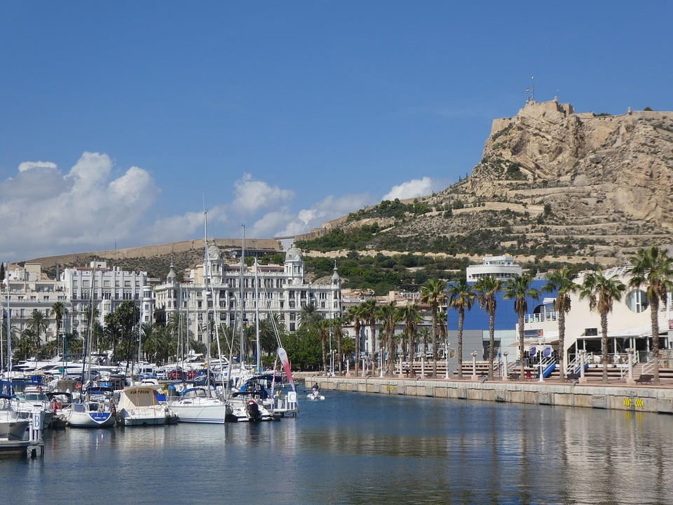 Alicante es el destino más buscado por los turistas británicos en Navidad