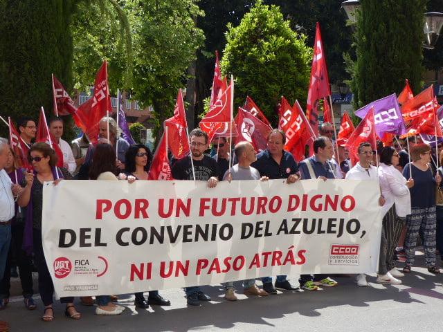 Los sindicatos del azulejo se manifiestan para desbloquear su convenio colectivo
