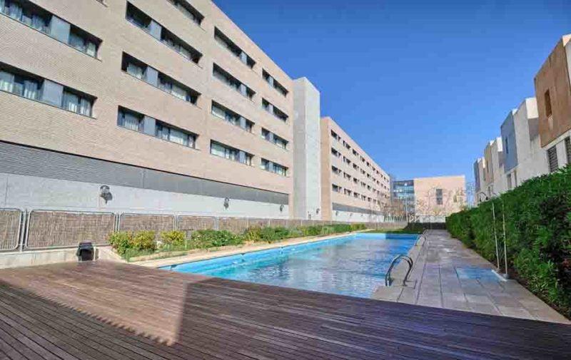 La subasta de la Villa Universitaria de Alicante recibe dos ofertas de compra