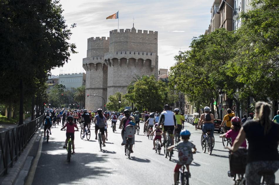 El Día de la Bicicleta de Valéncia pone el acento en la inclusión social
