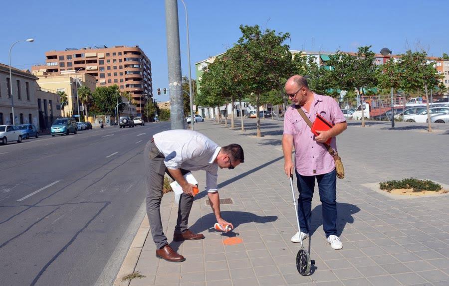 Alicante instalará 20 nuevas paradas anti acoso en las líneas nocturnas de bus