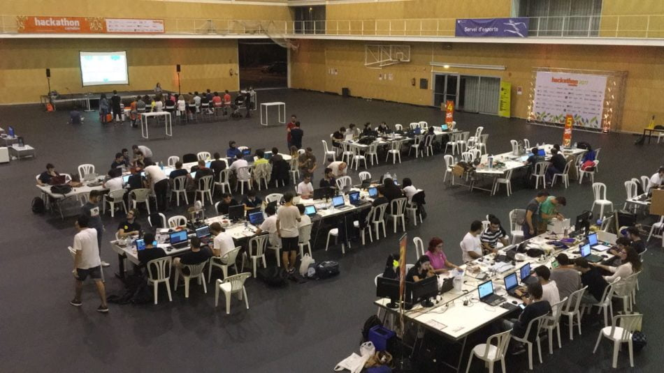 La UJI acoge un maratón de programación colaborativa