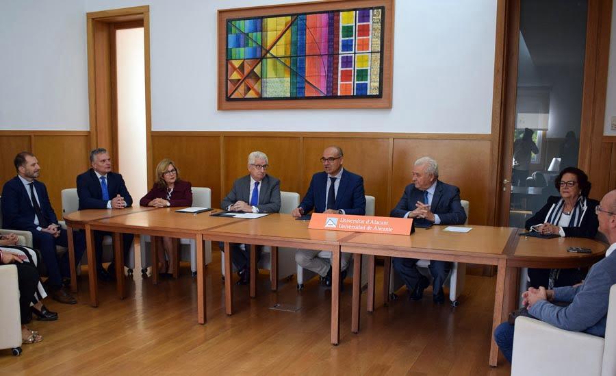 Caja Rural Central entra en la Cátedra de la Empresa Familiar de la UA