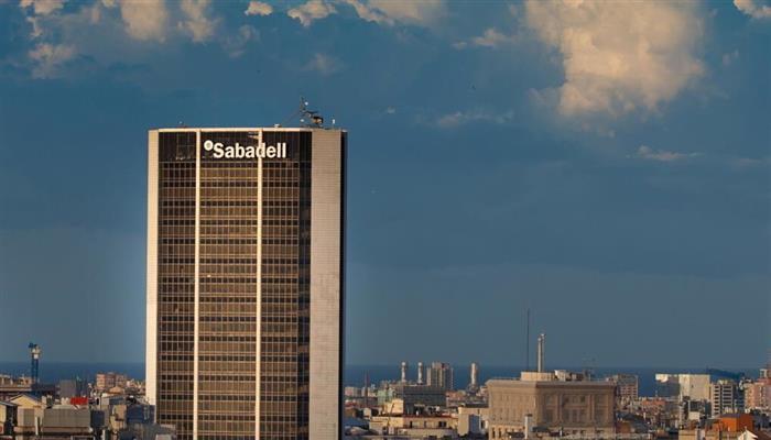 Imagen destacada Banco Sabadell gana 258,3 millones (-0,4%) pero TSB recupera el pulso comercial