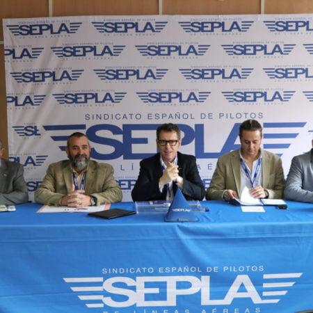 Las negociaciones del Sepla con Air Nostrum continúan sin acuerdo, tal y como ha explicado Manuel Reyes Moñino, delegado sindical de Sepla Air Nostrum