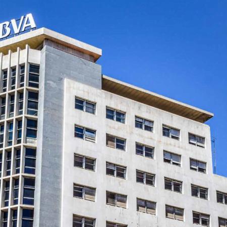 Imagen destacada BBVA vende para reformar su sede en València, pero volverá como alquilado