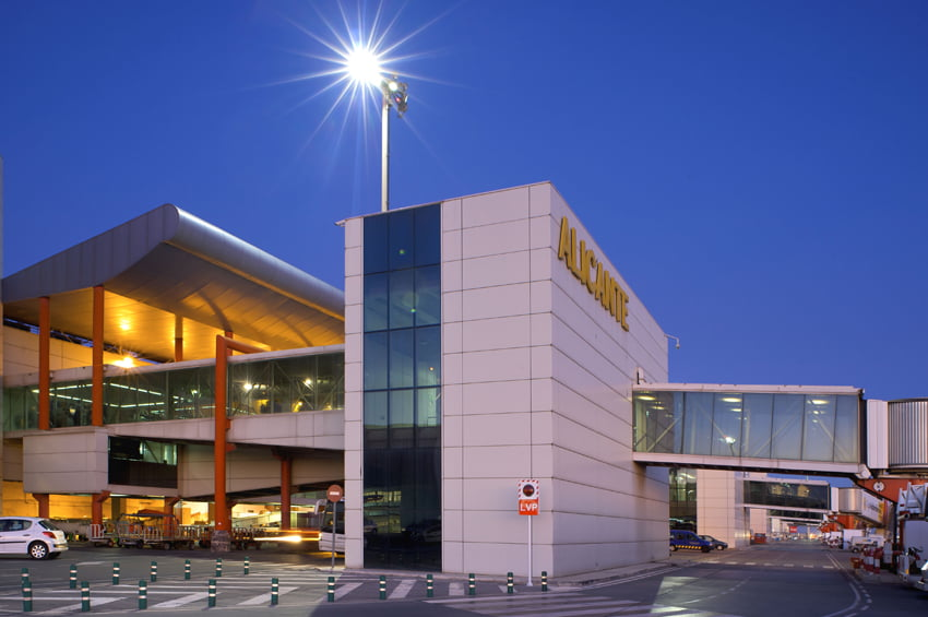 El aeropuerto alicantino rompe todos los récords con 13,9 millones de pasajeros