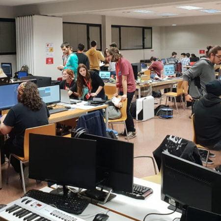 Imagen destacada Jammers de Florida Universitaria crean 12 videojuegos en tan solo 48 horas