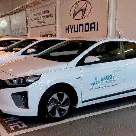 Imagen destacada Autiber entrega al Hospital de Manises los nuevos híbridos Hyundai