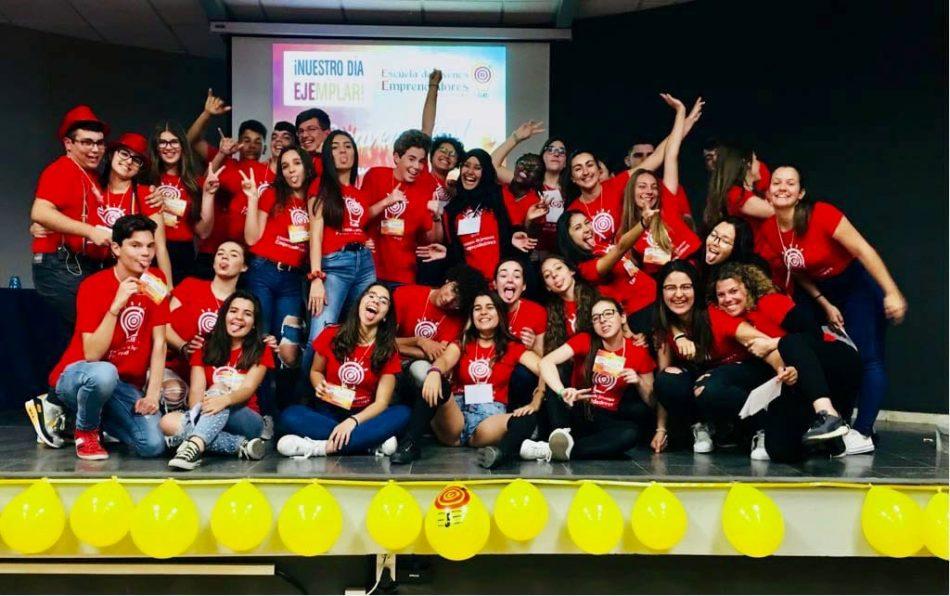 La Escuela de Jóvenes Emprendedores reúne a 900 estudiantes en 'Éxitos Compartidos'