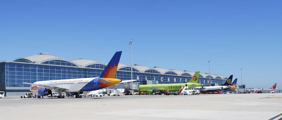 Imagen destacada El aeropuerto de Alicante-Elche comienza a recuperar la normalidad
