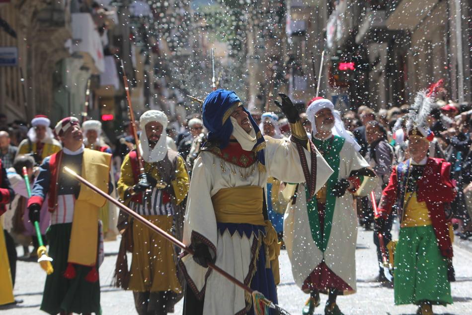 Imagen destacada La fiesta de Moros y Cristianos de Alcoy ya es bien de interés cultural