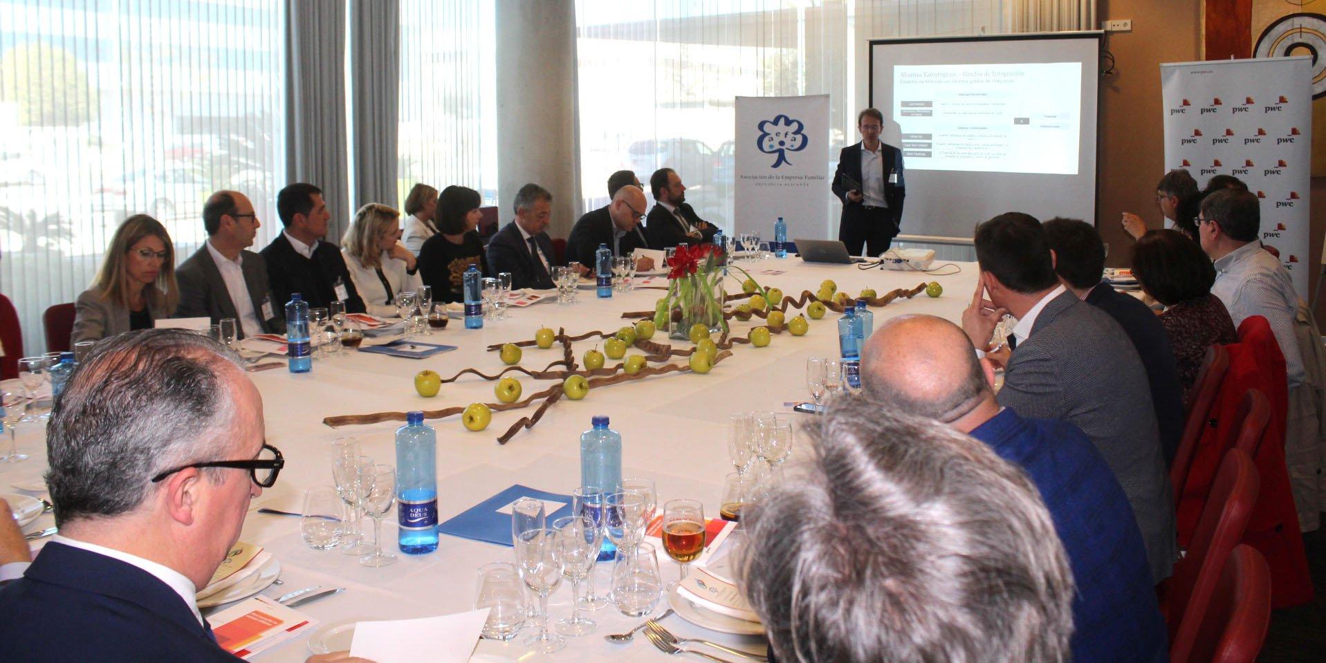 Aefa y PwC exponen las posibles alianzas para hacer crecer a la empresa familiar