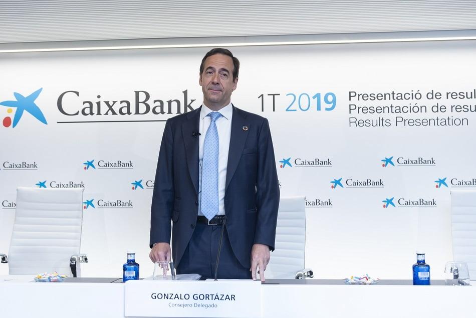 Imagen destacada CaixaBank gana 533 millones hasta marzo, un -24% debido a impactos extraordinarios