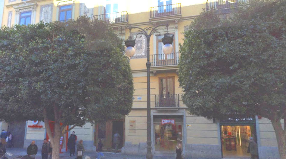 La sede de RNE en la calle Colón de Valéncia se vende por 5 millones