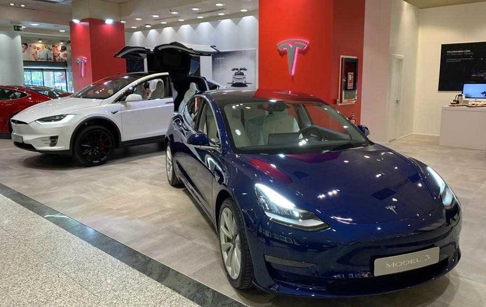 Imagen destacada Los vehículos eléctricos de Tesla llegan a Valencia con la apertura de su tienda