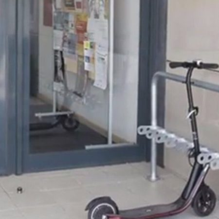 UJI-patinetes-aparcamiento