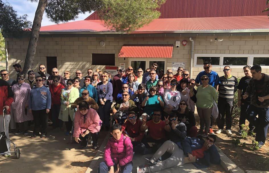 La marca de gafas de sol Hood realiza su primera donación a tres ONG