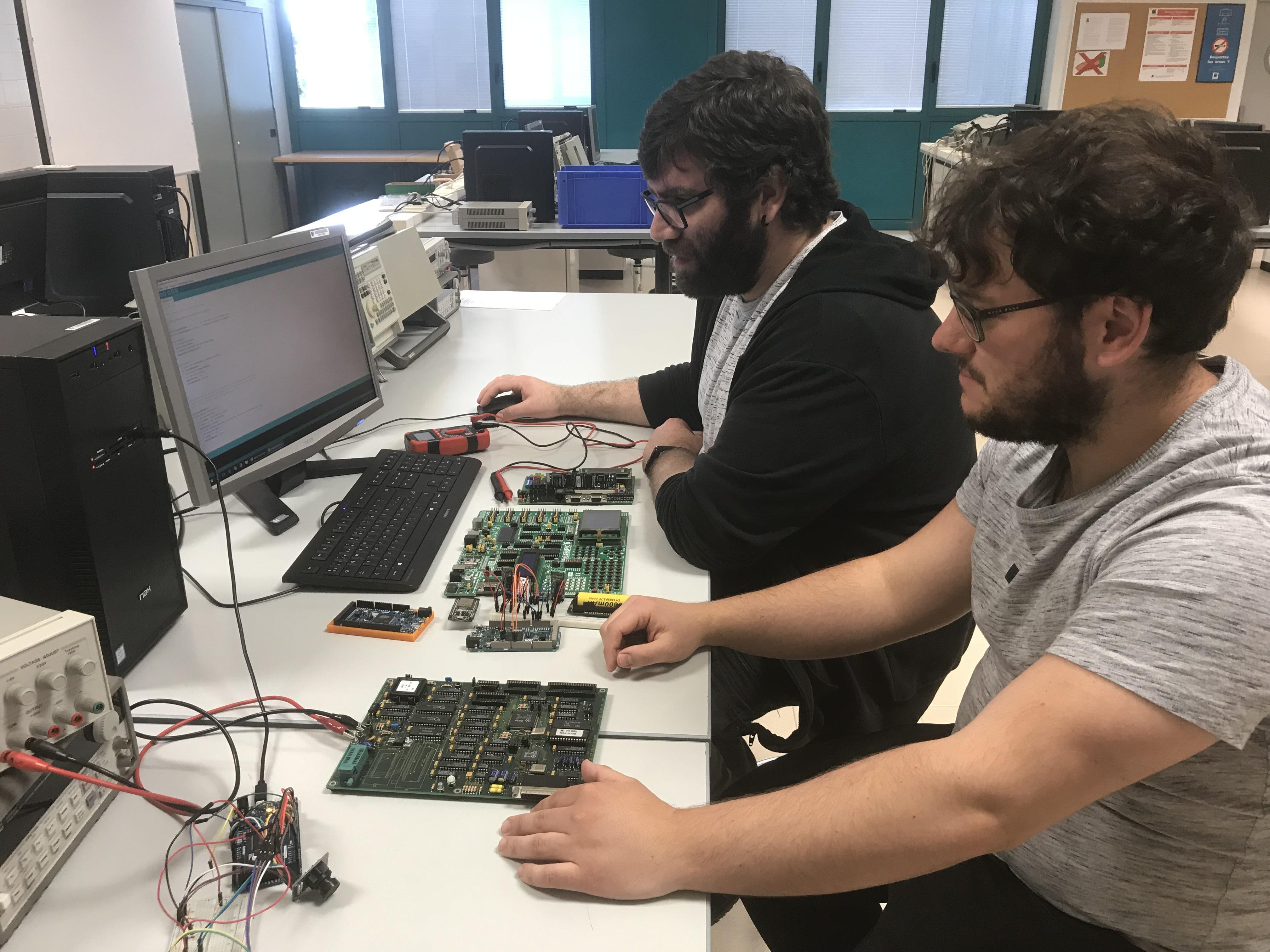 Imagen destacada IoTsens y la UJI premiarán el mejor proyecto de IoT del Grado de Ingeniería Informática