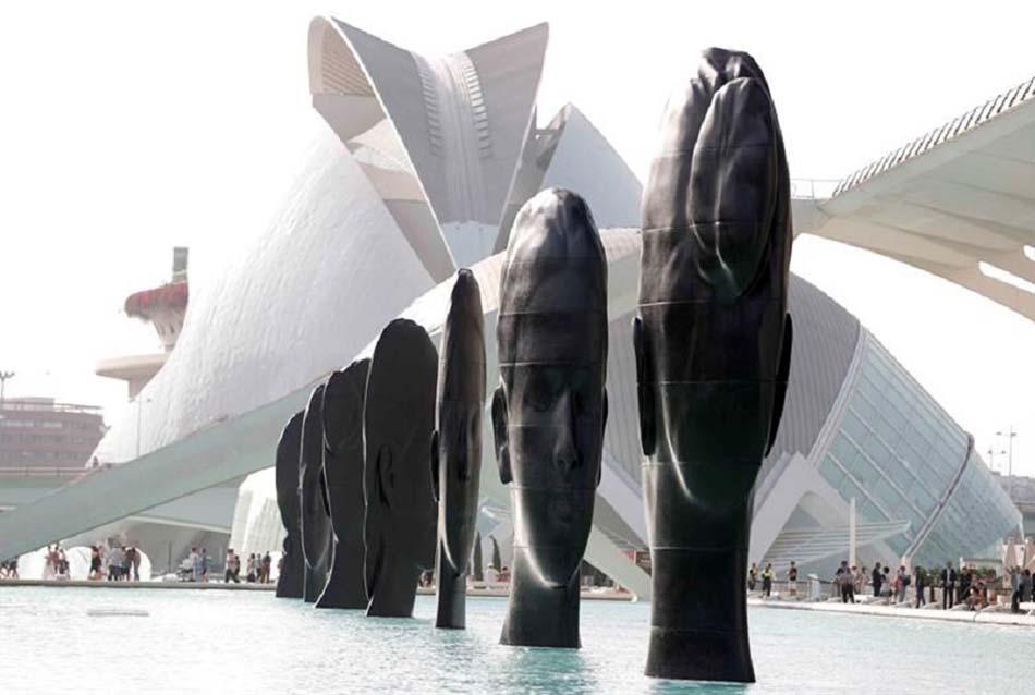 Imagen destacada Hortensia Herrero inaugura la exposición de esculturas de Jaume Plensa en la CAC