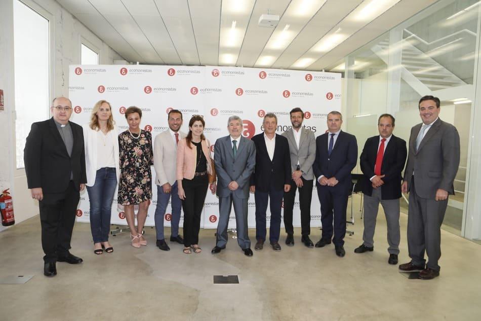 El Colegio de Economistas celebra su 40 aniversario premiando entidades y empresas