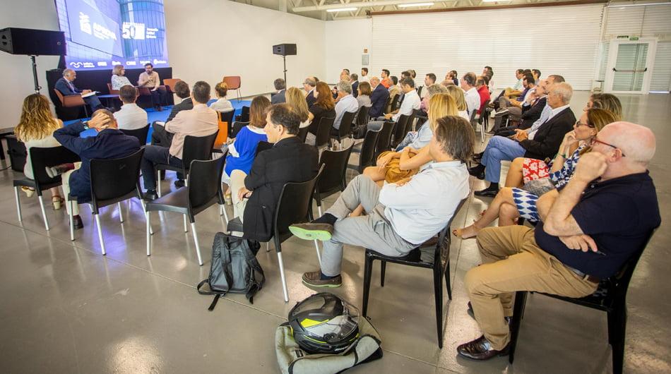 Jornada de reflexión sobre la vivienda del futuro organizada por Aprova