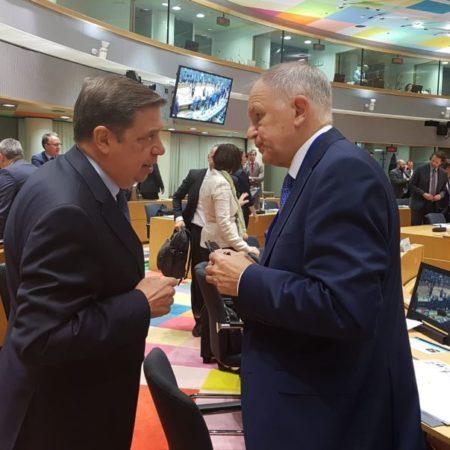 ministro-planas-en-bruselas