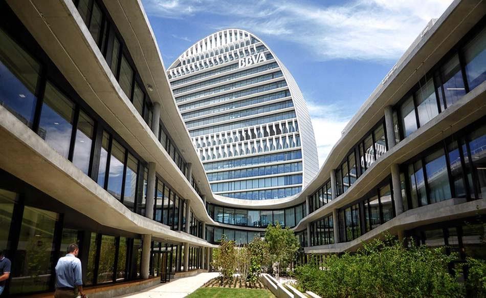 Imagen destacada BBVA gana 2.442 millones de euros en el primer semestre, un 3,7% menos