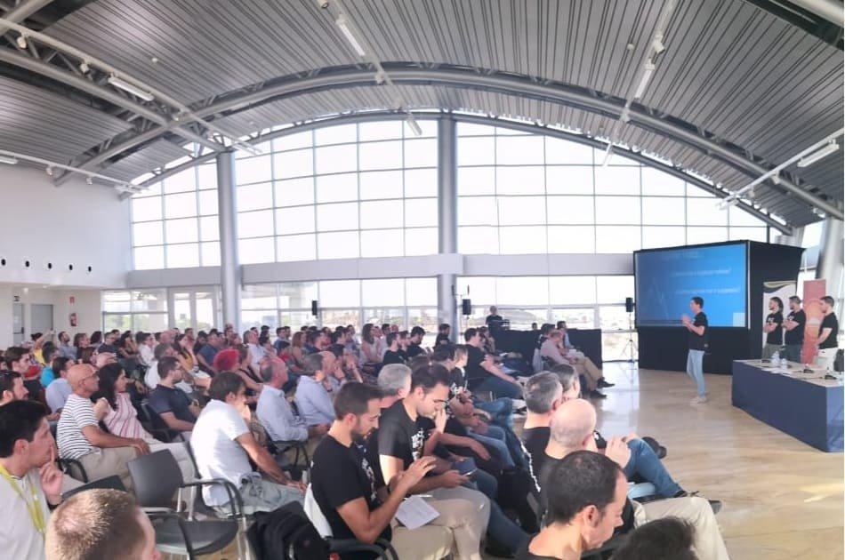 Imagen destacada 'AI Saturdays Alicante', o como popularizar el aprendizaje sobre Inteligencia Artificial