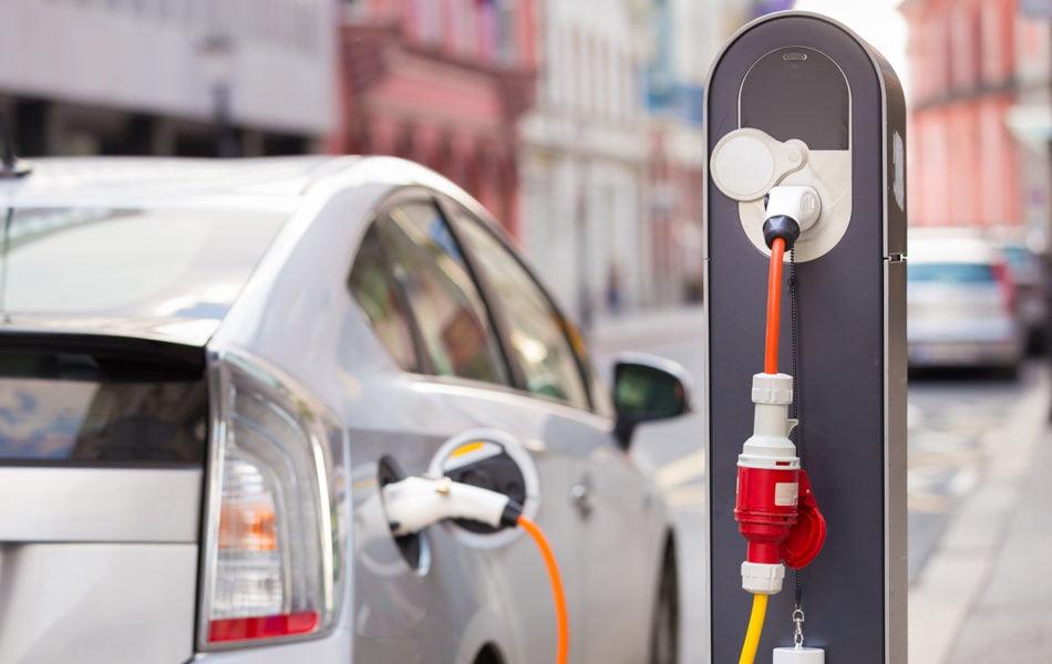 Imagen destacada Arranca el plan del Gobierno para paliar una caída de ventas en coches eléctricos del 5%