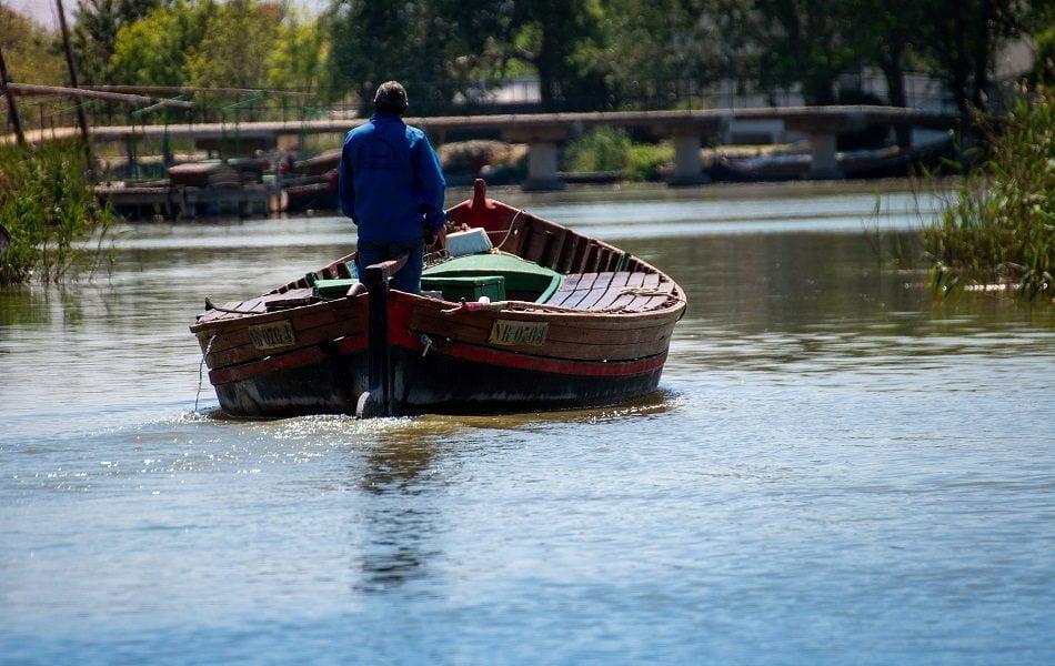 La flota del Parque Natural de la Albufera da el primer paso hacia la transición eléctrica