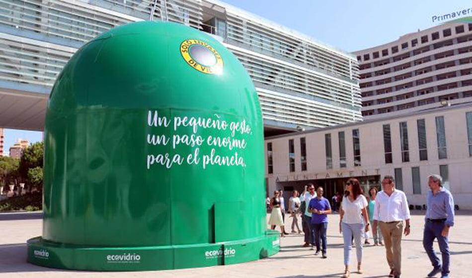 Imagen destacada Benidorm triplica la media nacional en reciclado de vidrio