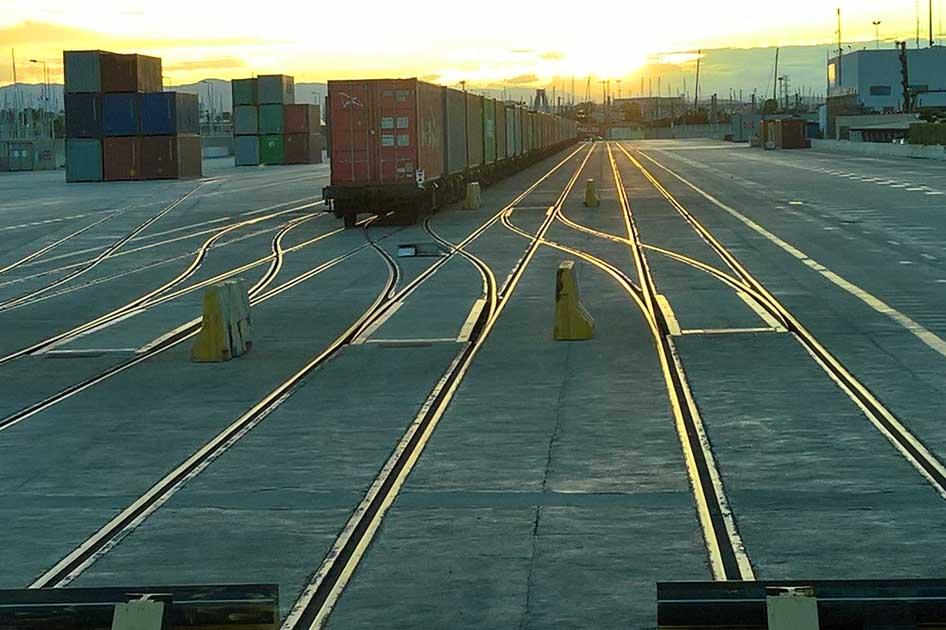 Imagen destacada ValenciaPort licita la terminal ferroviaria del muelle Príncipe Felipe por 8,2 millones