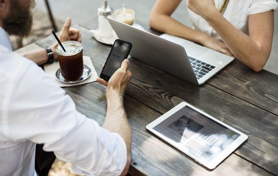 Imagen destacada Más de la mitad de los clientes de BBVA opera con fondos digitalmente