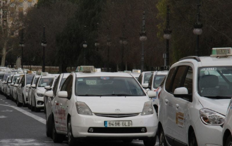 taxistas-contra-Uber-Cabify